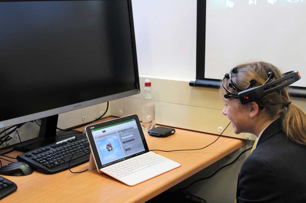 Image for QUEEN ANNE'S STUDENTS VISIT THE READING UNIVERSITY NEUROSCIENCE CENTRE